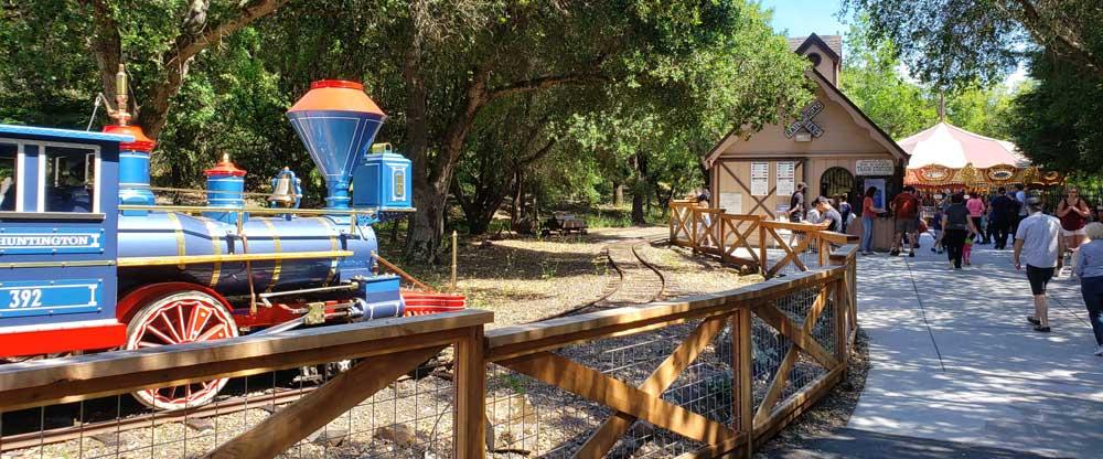 riding-the-train-at-howarth-park-in-santa-rosa-sonoma-county-california